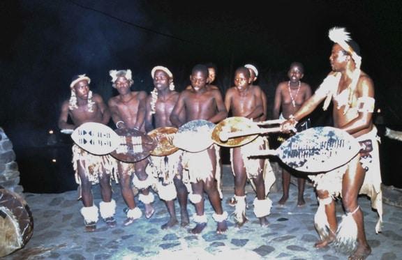 zulu_cultural_performance_KwaZulu_Natal_South_Africa
