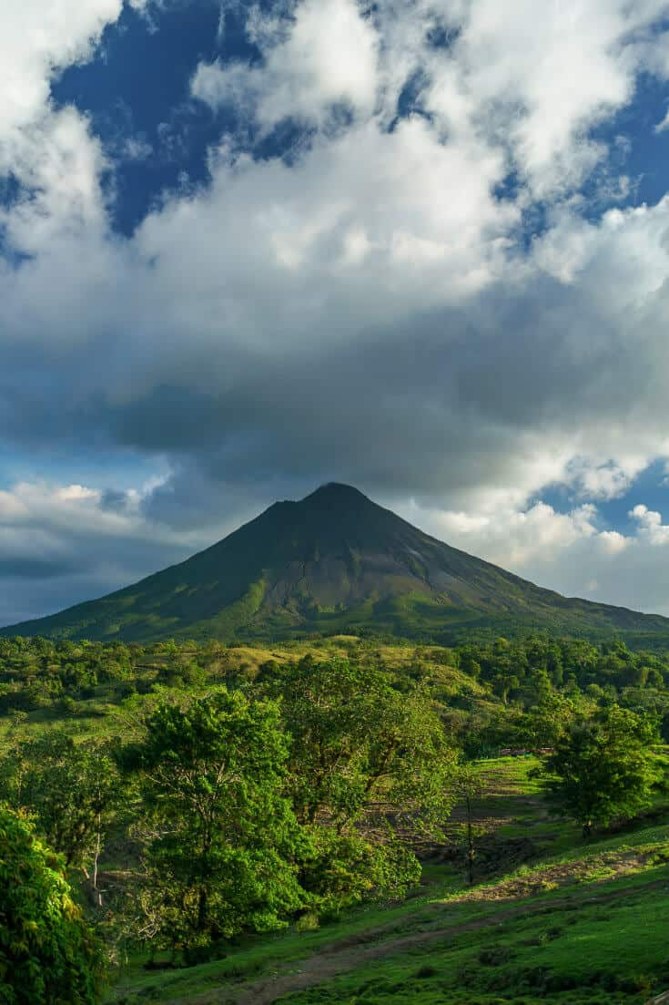 20 Cool things to do In Costa Rica (For Nature & History Lovers), including Arenal Volcano, Caño Negro Wildlife Refuge, Corcovado National Park, Manuel Antonio National Park, Monteverde Cloud Forest, Playa Montezuma, mysterious stone spheres, Tabacón Hot Springs, Tortuguero National Park, and much more. via @greenglobaltrvl