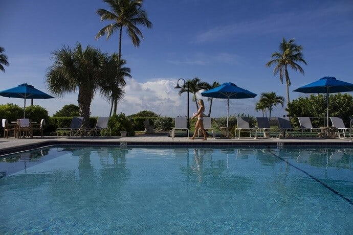 Sanibel Island Hotels - West Wind Inn