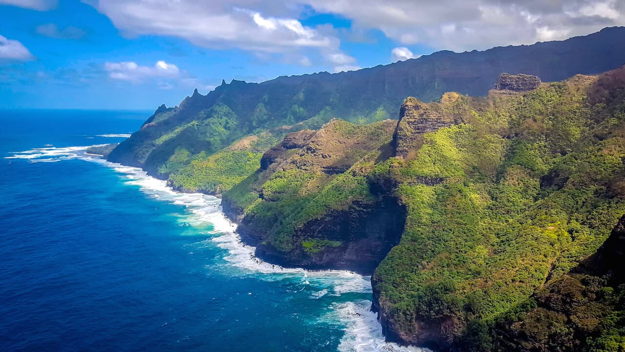 Napali Coast Sightseeing in Kauai, Hawaii