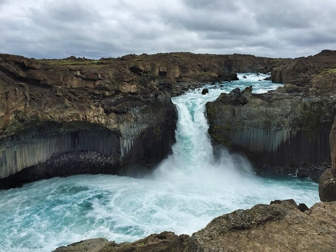 Waterfalls in Iceland - Aaldeyjarfoss Waterfall