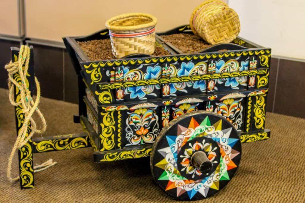 Costa Rica Travel Guide - Ox Cart Wagon Art
