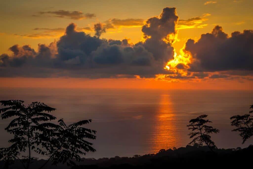 Kura Design Villa Sunset overlooking Marino Ballena National Park