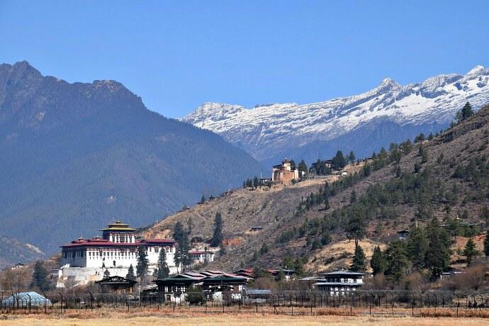 Bhutan Travel Guide - Himalayas via @greenglobaltrvl