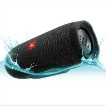 Spring Outdoor Gear Reviews - JBL Charge 3 Waterproof Speaker via @greenglobaltrvl