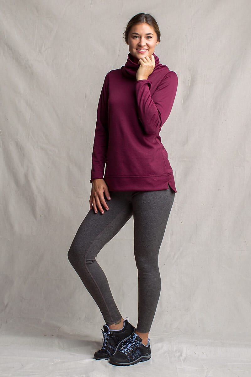 Best Reversible Clothes -Exofficio cool weather Tatra Pullover and Reversible Leggings via @greenglobaltrvl