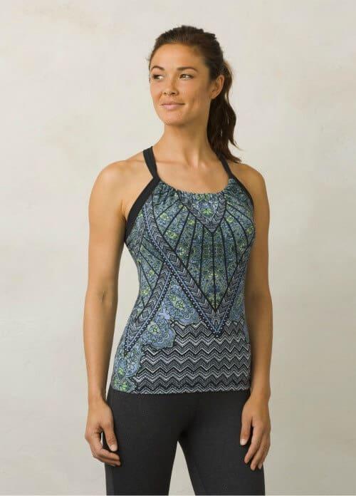 Best yoga clothing - Prana Quinn Top via @greenglobaltrvl