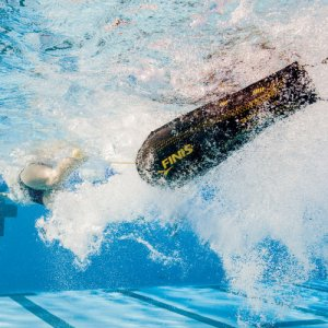 Finis Circuit Goggles under water