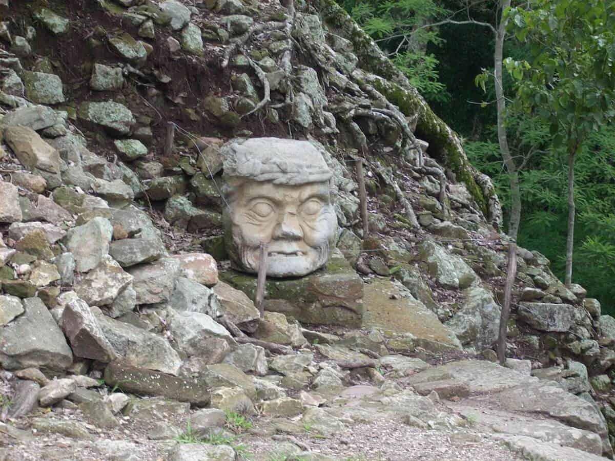 10 AMAZING SITES OF THE ANCIENT MAYA - Copan Ruinas (Katrina)