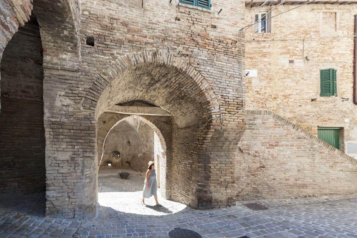corinaldo-walls-door marche