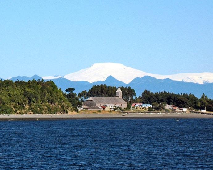 Chilean Fjords Cruise -hiloé