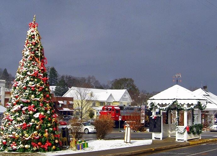 Christmas Lights near North Georgia -Light Up Blue Ridge