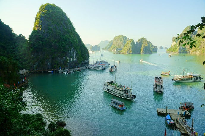 Halong Bay tourism - overcrowded with cruise ships