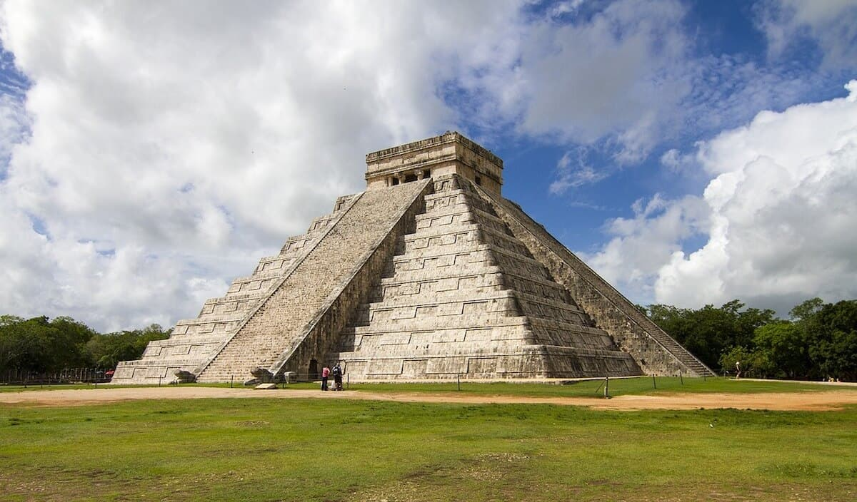 10 AMAZING SITES OF THE ANCIENT MAYA: Chichen Itza