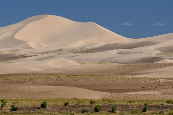 25 Biggest Deserts in the World (For Your World Travel Bucket List)