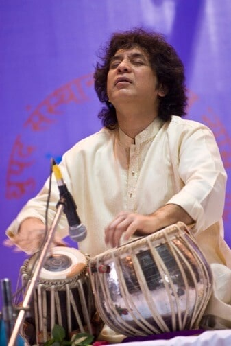 Tabla virtuoso Zakir Hussain