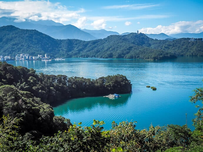 Taiwan tourist attractions -Sun Moon Lake