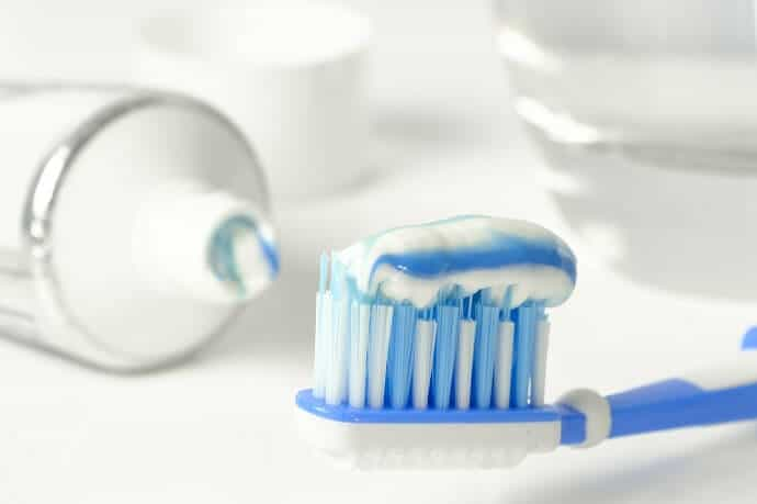 How to make Natural Toothpaste image by Bruno Glätsch from Pixabay
