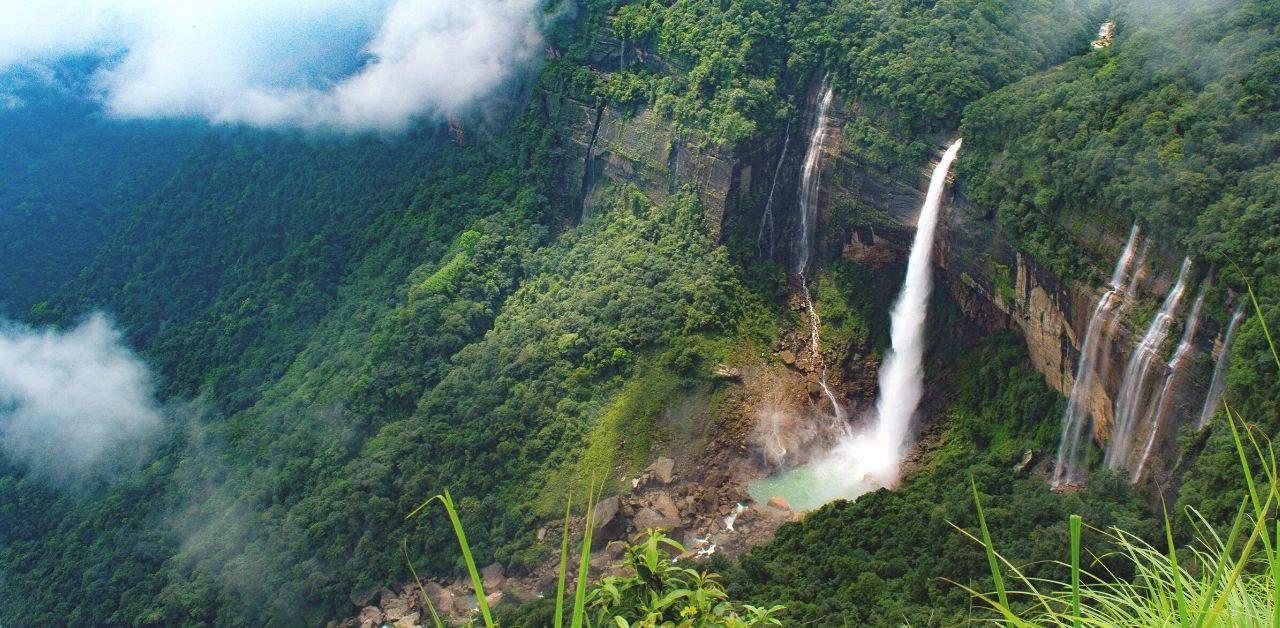 Nohkalikai Falls the tallest plunge waterfall in Asia