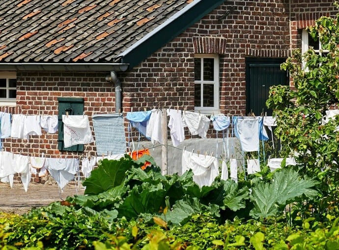 Be A More Energy Efficient Home - Use a Clothesline