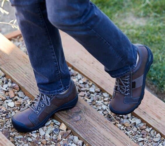 Mens Walking Shoes - Keen Austin