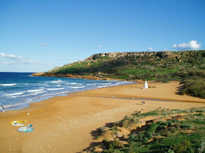 Ramla Bay, Gozo, Malta by William Shewring via CC