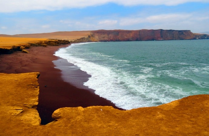 Red Beach Paracas by Mapping Megan