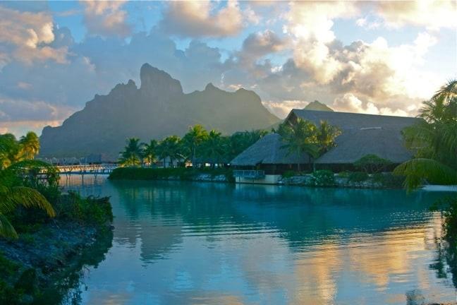 Snorkeling Bora Bora, Four Seasons Resort's Ruahatu Lagoon Sanctuary