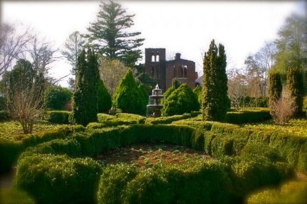 Barnsley Gardens Resort: A Southern Gothic Love Story