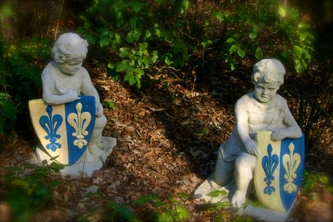 Statues on the Barnsley Gardens Resort Grounds
