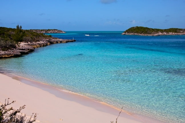 Pirate's Trap Beach in Staniel Cay, Bahamas