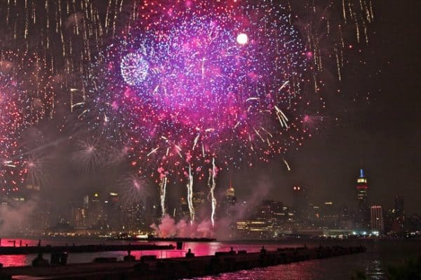 FRIDAY PHOTO: Macy's 4th of July Fireworks in New York City