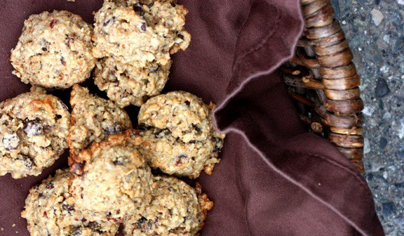 GLOBAL CUISINE: Mary's Oatmeal Fruitcake Christmas Cookies Recipe