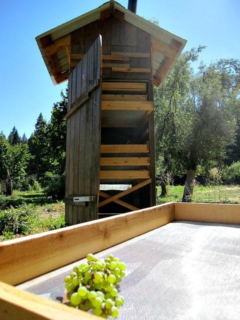 Off Grid Living DIY Stove - Food Dehydrator