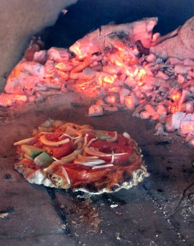 Off Grid Living DIY Stove - Pizza by the Coals