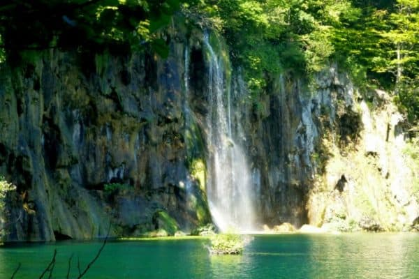 CROATIA: Exploring Plitvice Lakes National Park