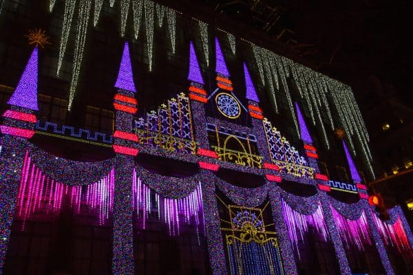 NYC Christmas Windows: A Free Walking Tour