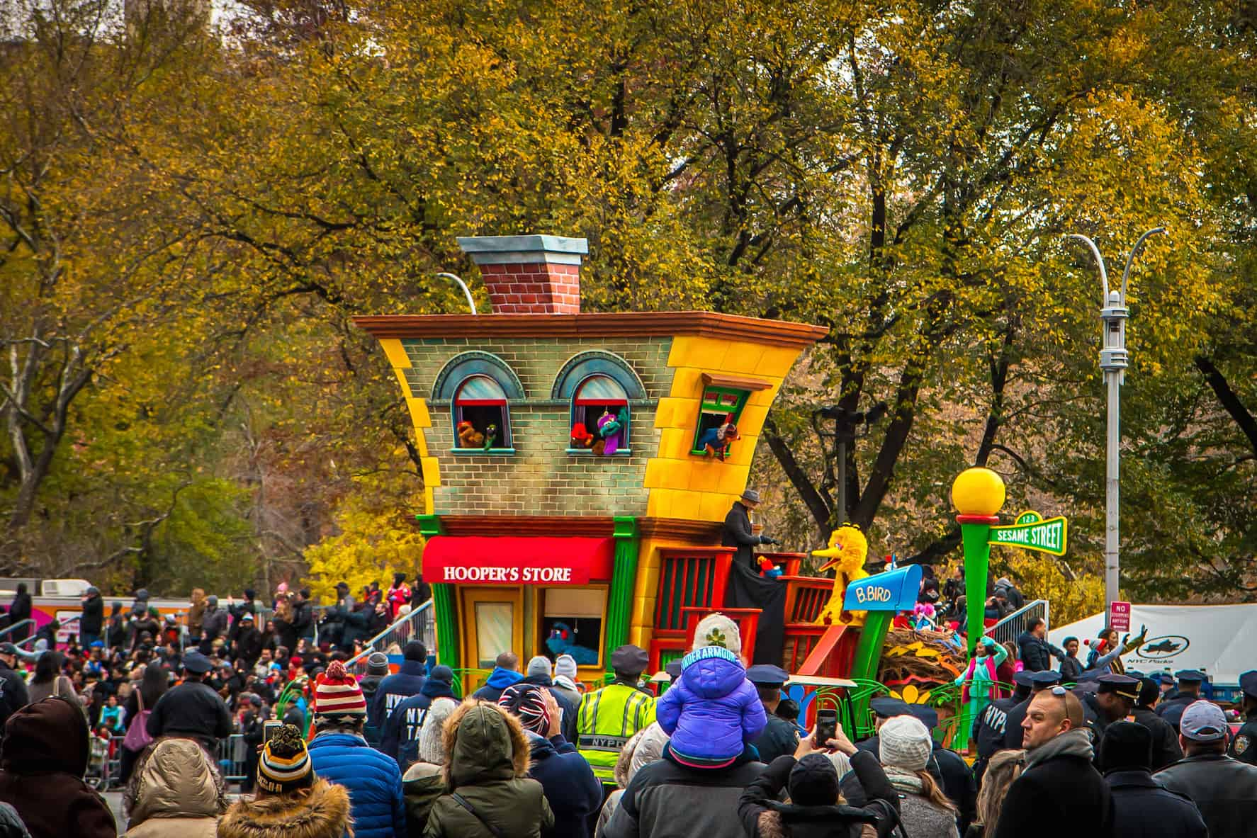 90th macy's thanksgiving day parade- Big Bird & Sesame Street