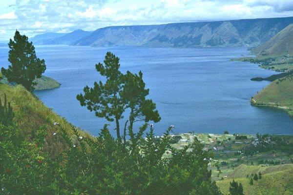 Things to do in Indonesia, visit Lake Toba - Sumatra